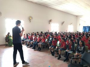 josh-speaks-with-students-from-bangalore