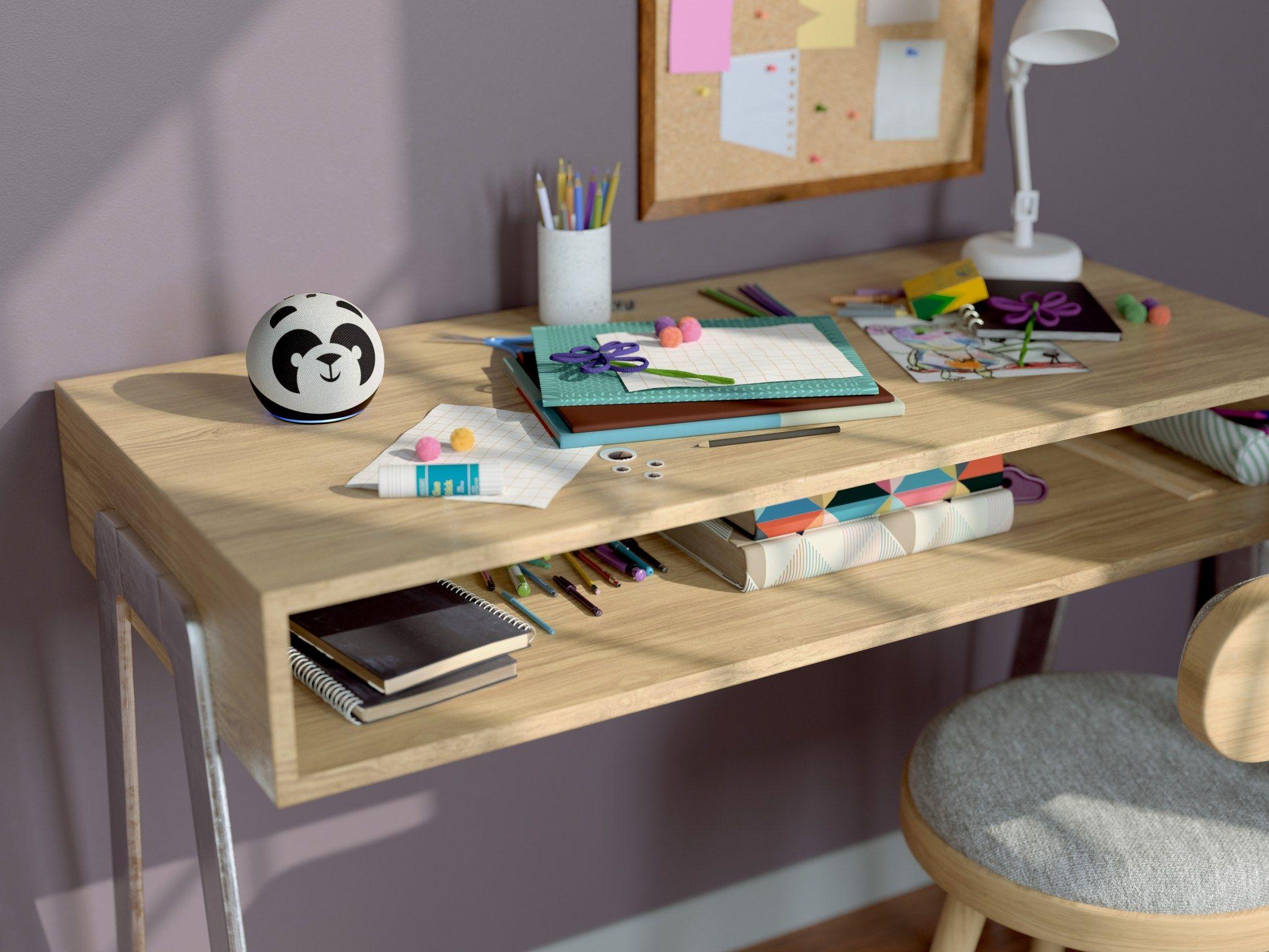 Kids desk.jpeg